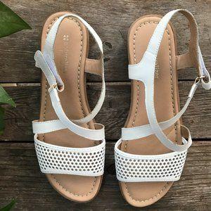 Naturalizer White Sandals Sz 11